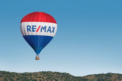 """RE/MAX – """"Fastest growing franchise system"""" for eight years in a row"""