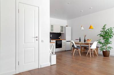 12444-475486-modern-interior-kitchen-white-wall-wooden-chairs-green-flower-pot-concept-scandinavian-design.jpg