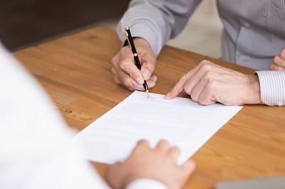 Haus verkaufen oder vermieten: Die Vor- und Nachteile