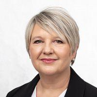 Property agent Anita Loepfe