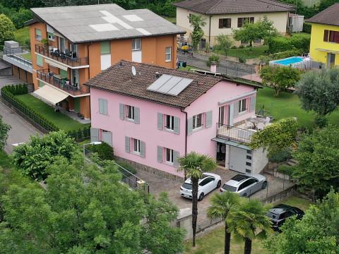 Casa unifamiliare di 5.5 locali con esclusivo design interno / 5.5 Zimmer-Einfamilienhaus mit exklusivem Innendesign