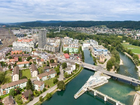 Living with a view in the Limmat Tower - exclusive 4.5 rooms on the 9th floor